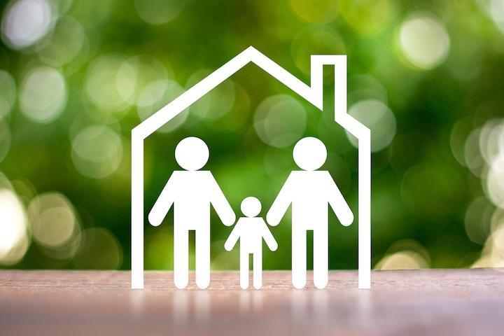 ダルクは薬物依存当事者の回復を支援する施設ですが薬物問題は大きな多様性・ベクトルを持ち、当事者だけの問題にとどまらず家族・友人の生活にまで影響を及ぼすケースが多いです。大阪ダルク・Freedomでは、薬物依存など薬物の問題でお悩みのご家族への支援を行っています。 - ご家族の方へ | 大阪ダルク
